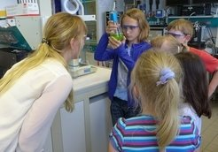 <p><strong>Guided MPI tours for Children</strong></p> <p>Our scientists show our labs and hidden places in the MPI.</p>