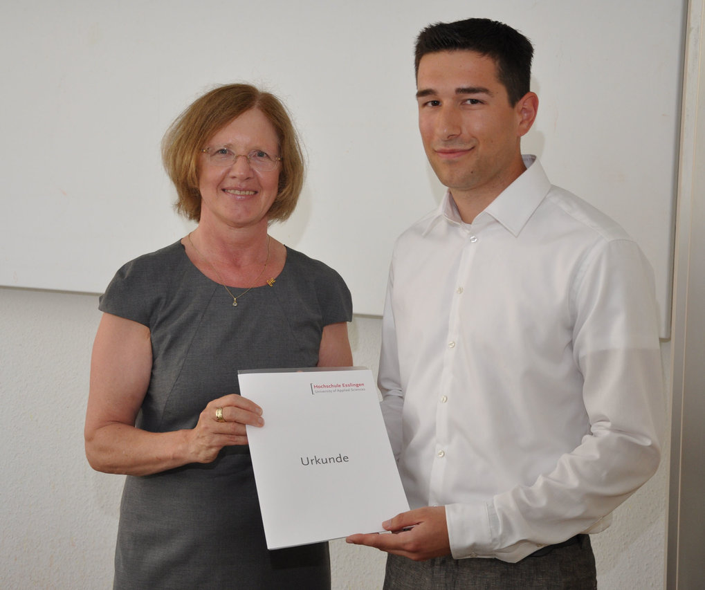 Thomas Vogel at the award ceremony with Stefanie Meier, representative of the University of Applied Sciences Esslingen
