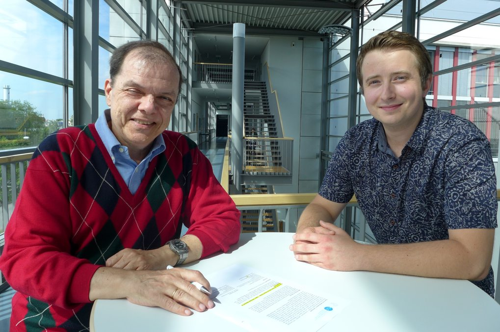 Prof. Dr. Athanasios C. Antoulas and his postdoctoral researcher Ion Victor Gosea have moved into their new domain at the Max Planck Institute Magdeburg. Here, they will conduct research in the area of numerical simulation of complex data.