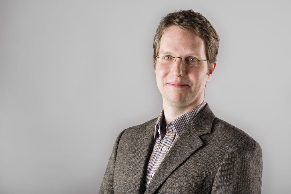 Dr. Matthias Stein, head of the research group Molecular Simulations and Design at the Max Planck Institute for Dynamics of Complex Technical Systems Magdeburg, has been elected as a Fellow of the Royal Society of Chemistry (FRSC).