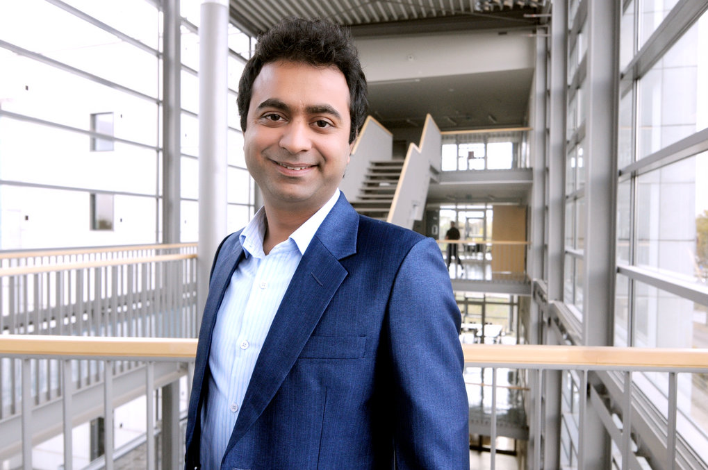 Dr. Pawan Goyal, mathematician and alumnus of the International Max Planck Research School Magdeburg, was awarded the prize for the best Ph.D. thesis in 2018 within the Faculty of Mathematics by the Otto von Guericke University Magdeburg.